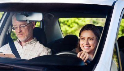 Sfaturi utile pentru șoferii începători. Vezi ce nu ți se spune la școala auto