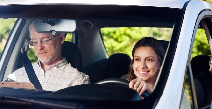 Foto: Sfaturi utile pentru șoferii începători. Vezi ce nu ți se spune la școala auto