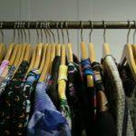 Foto: Hainele second-hand nu vor mai putea fi comercializate în Moldova