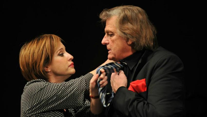 """Foto: Florin Piersic şi Medeea Marinescu, un cuplu de senzaţie în """"Străini în noapte""""!"""