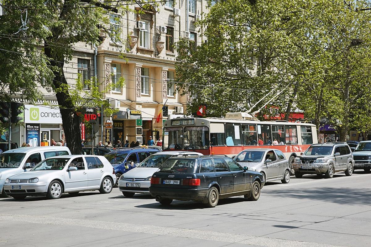 Foto: Anunț pentru călători! În acest weekend va fi sistată circulația rutieră pe unele străzi din Capitală, iar transportul public va fi reorganizat