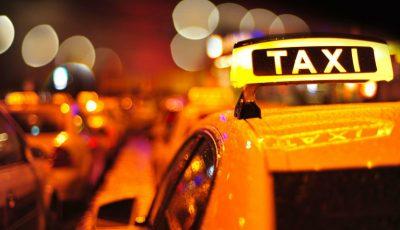 Locuitorii Capitalei sunt nevoiți să aștepte ore în șir taxi