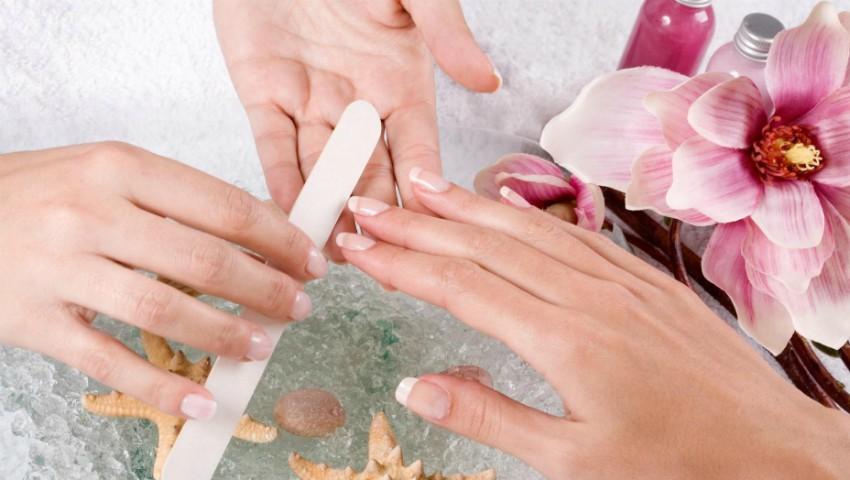 """Foto: Nail Expert: """"De ce să nu pilim suprafața unghiilor?"""""""