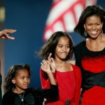 Foto: Barack și Michelle Obama au împlinit 25 de ani de căsnicie. Vezi poza cu cei doi miri