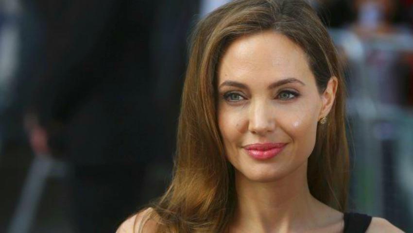 Foto: Angelina Jolie și-a făcut apariția cu o nouă tunsoare