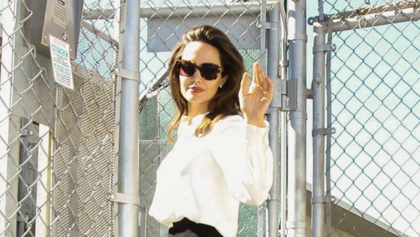 Foto: Angelina Jolie, într-o ținută office la premiera ultimului său film!