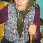 Foto: Nenorocire! O bătrânică a ajuns la spital după ce a încurcat agheasma cu diluantul