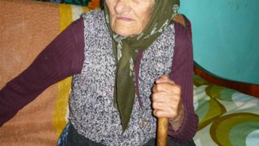 Nenorocire! O bătrânică a ajuns la spital după ce a încurcat agheasma cu diluantul