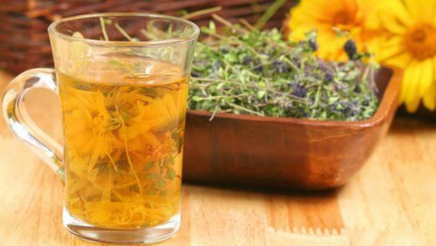 Foto: O cană de ceai de cimbru băută în fiecare seară previne gripa și răceala