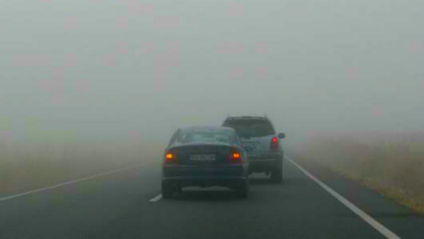 Atenție, șoferi! Meteorologii au emis cod galben de ceață. Iată până când