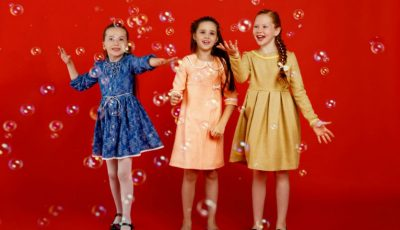 Copiii ne inspiră să trăim bucuria momentului