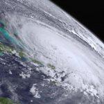 Foto: Alertă! Furtuna tropicală Ophelia s-a transformat în uragan şi se îndreaptă spre Europa