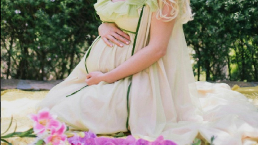 Foto: O actriţă celebră a devenit mămică! Ce nume neobişnuit i-a pus bebeluşului