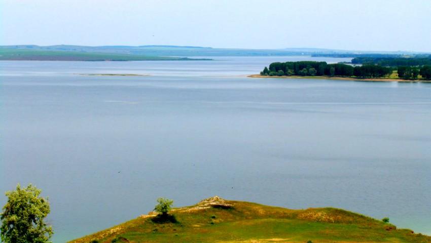 Foto: În nordul Moldovei a secat un iaz cu o suprafață de 110 hectare