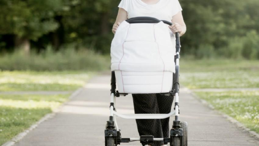 Foto: Unele mame vor fi obligate să restituie statului indemnizația de maternitate. Află detalii