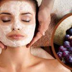 Foto: Mască cu struguri pentru revitalizarea pielii uscate