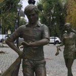 Foto: Pe strada pietonală din Chișinău a fost amplasat un monument inedit! Foto