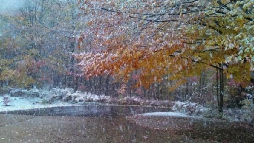 Foto: Cod portocaliu de lapoviţă şi ninsori în jumătate de țară