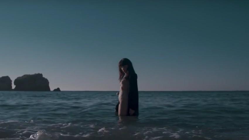 "Foto: Irina Rimes a lansat videoclipul la piesa ,,Cosmos"""