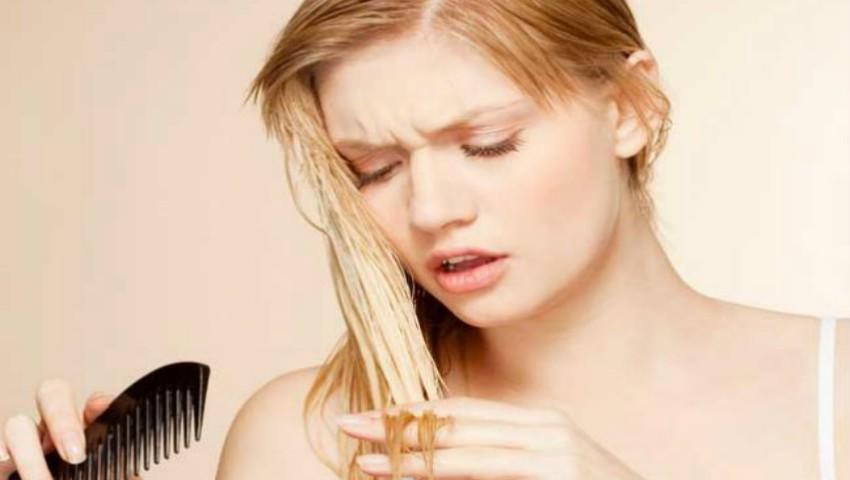 Foto: Sfaturi pentru îngrijirea părului gras la rădăcini și uscat spre vârfuri