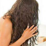 Foto: 5 afecțiuni la care ești predispus dacă te culci cu părul ud