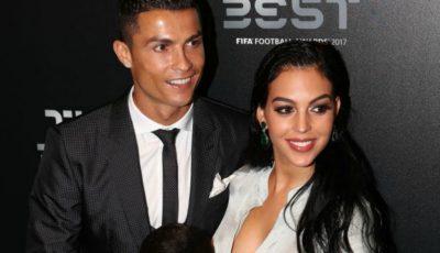 Cristiano Ronaldo a fost desemnat cel mai bun fotbalist din 2017. Iubita sa, însărcinată în 8 luni, i-a fost alături