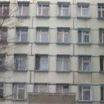 Foto: Un pacient a căzut de la etajul 6 al unui spital din Capitală