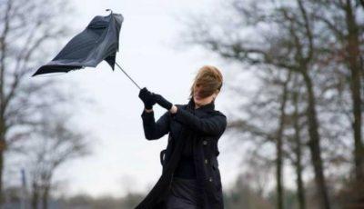 Meteorologii au emis cod galben și cod portocaliu de vânt puternic în Moldova