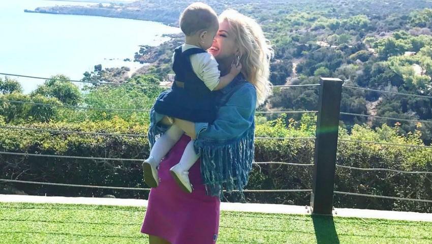 Foto: Andreea Bălan, imagini adorabile din vacanță cu fetița ei!