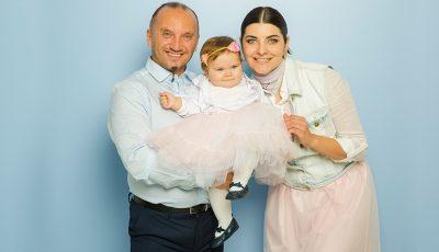 O ședință  foto exclusivă cu fiica lui Anatol Durbală și a Olesei Sveclă: când fericirea are numele Cassandra!