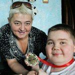 """Foto: """" Mama, îți mulțumesc pentru tot ce ai făcut pentru mine"""" – a scris fiul Valeriei Bobocel pe contul său de Facebook"""