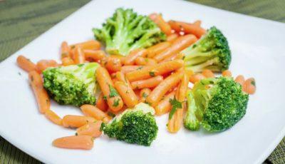 Alimente sănătoase pe care le consumi greşit. Iată sfaturile unui nutriţionist celebru
