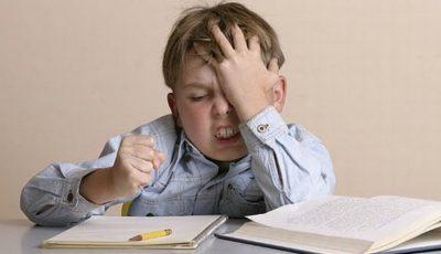 De ce nu trebuie să ajutați copilul să-și facă temele pentru acasă