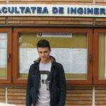 Foto: Un tânăr din Moldova a inventat holograma pentru prevenirea accidentelor provocate de ceaţă