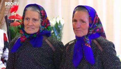 Două surori gemene din Strășeni au ajuns la vârsta de 80 de ani. Copiii le-au organizat o petrecere de poveste