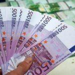 Foto: Câte 500 de euro primesc copiii moldoveni cu cetățenie română, din acest an