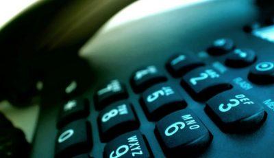 Moldovenii vorbesc mai puțin la telefonul fix