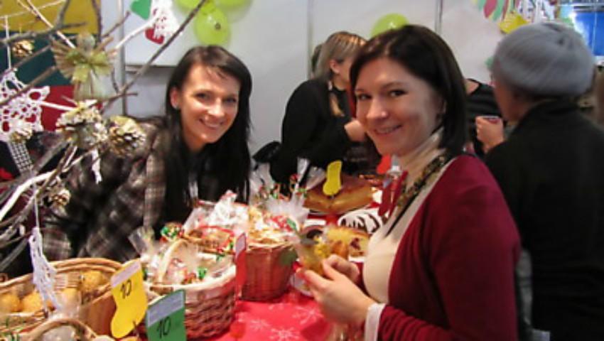 """Foto: La """"Winter Charity Bazaar"""" vei găsi cele mai interesante cadouri de Crăciun"""