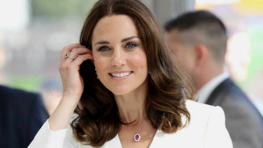 Foto: Kate Middleton este însărcinată cu două fetițe gemene?