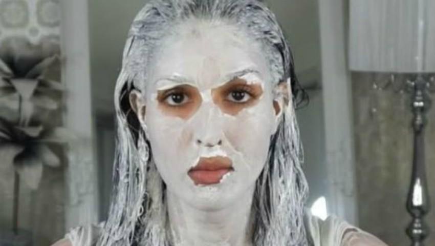 Foto: Masca minune pentru păr și pentru față