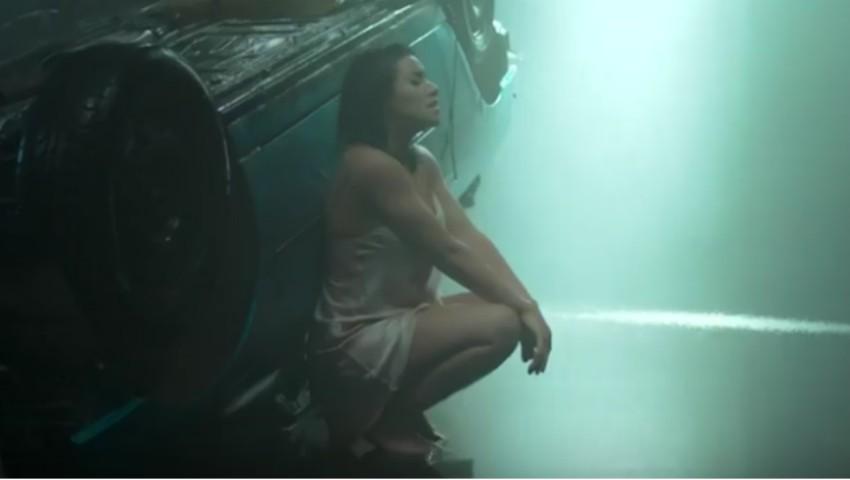 Foto: Scene fierbinți în cel mai nou videoclip al Nicoletei Nucă!
