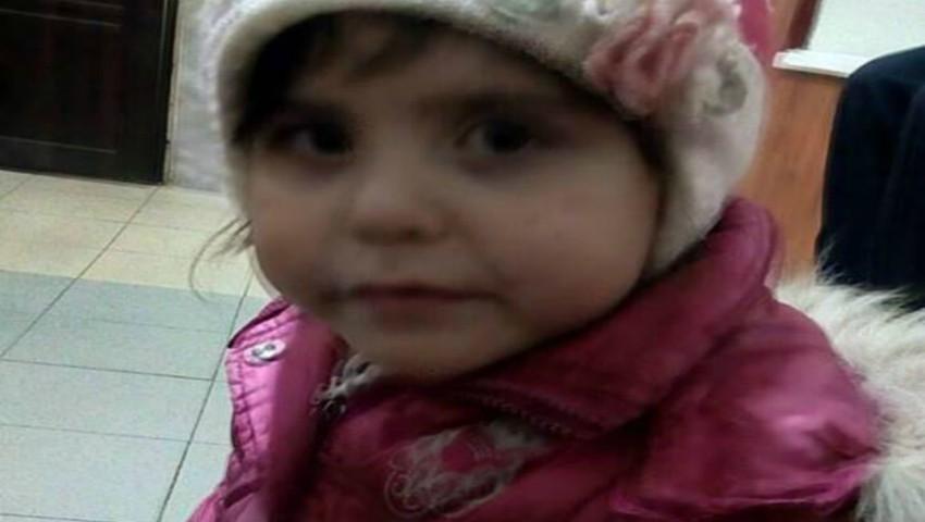 Foto: Mama fetiței de 4 ani, lăsată singură pe stradă, a fost găsită