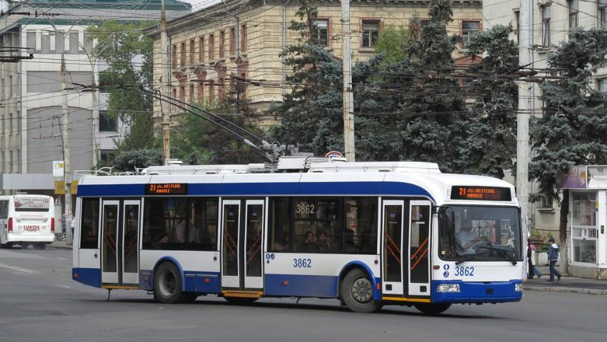 Foto: 5 lei va costa o călătorie cu troleibuzul, iar căldura se va scumpi cu 200 de lei