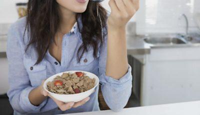 Produsul banal din meniul zilnic care provoacă senzația de foame permanentă
