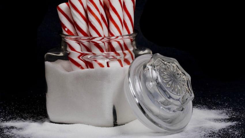 Foto: Iată care sunt  semnele că mănânci prea mult zahăr
