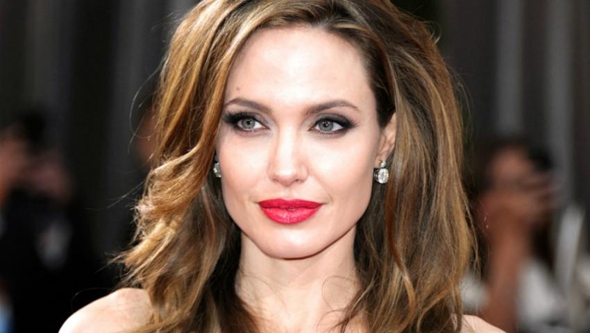 Foto: Angelina Jolie, complet nemachiată la un eveniment. Cum a arătat actrița?