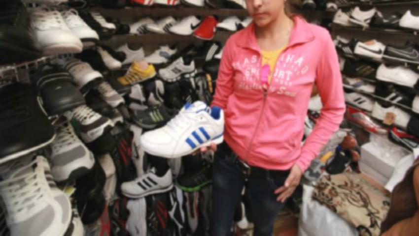 """Foto: Celebrul brand ,,Adidas"""" a dat în judecată un butic din Piața Centrală"""