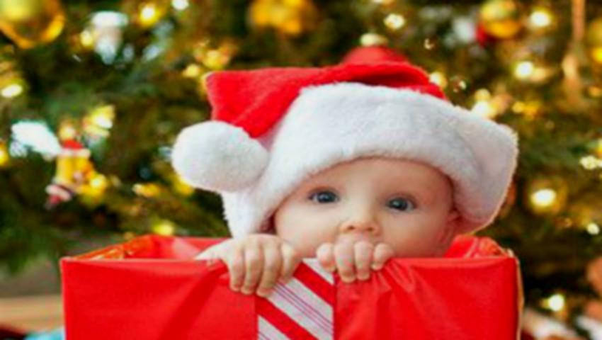 Foto: Cum să alegi cadoul de Crăciun pentru micuțul tău în funcție de vârstă. Află sfaturile psihologului
