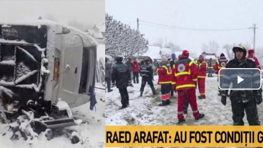 Foto: Accidentul grav din Harghita cu implicarea unui microbuz de pe ruta Praga-Orhei. Doi moldoveni au murit