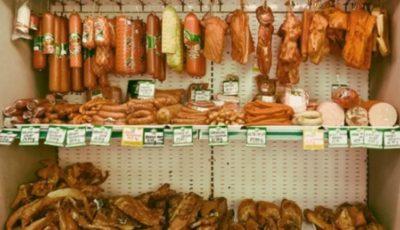 Produse din carne alterată vândute în piețele din Capitală și în magazinele din sate